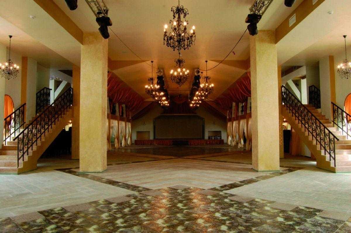 Имеютcя залы для персональных заявок на 50, 100 и 150 мест!!!