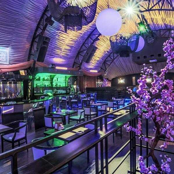 Вечеринка в клубе Lookin Rooms 15