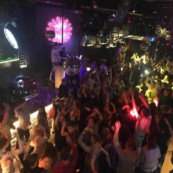 Вечеринка в клубе Lookin Rooms 5