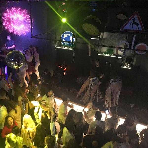 Вечеринка в клубе Lookin Rooms 9