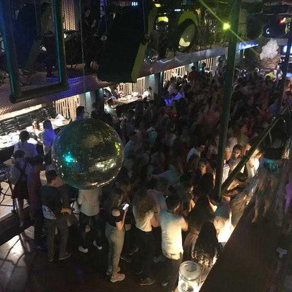 Вечеринка в клубе Lookin Rooms 8